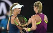 Возняцки мина в четвъртия кръг на Australian open, Остапенко - аут