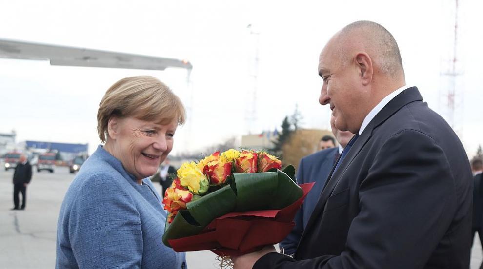 Меркел на визита у нас, Борисов я посрещна (СНИМКИ)