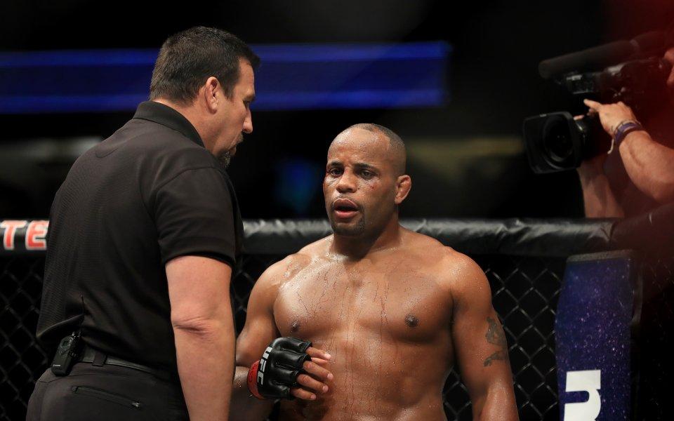 Даниел Кормие срещу Дерик Люис след по-малко от месец в UFC 230