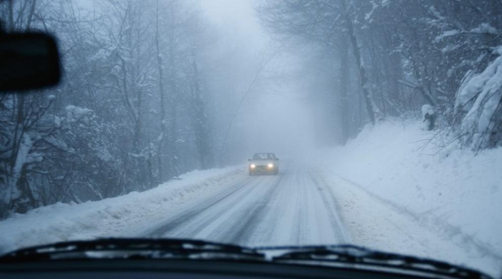 АПИ с апел към шофьорите: Не пътувайте през нощта, ако е възможно