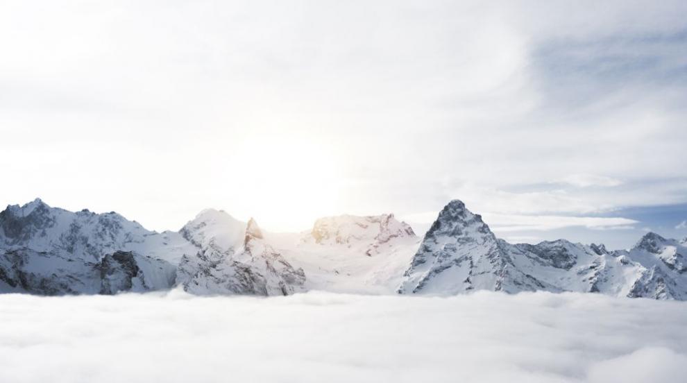 Швейцарски зимен курорт отново е блокиран заради повишена лавинна опасност