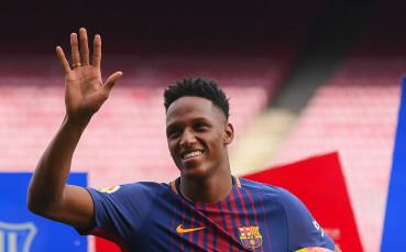 Евертън близо до подпис със защитник на Барселона