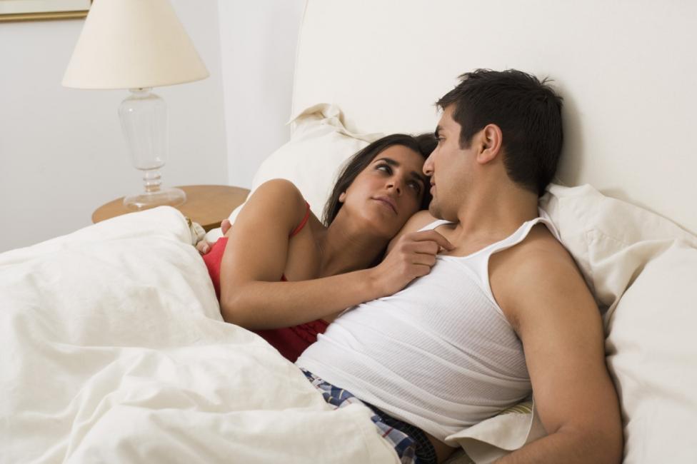 - 1. Кой от двамата да стане от леглото, за да загаси лампата.