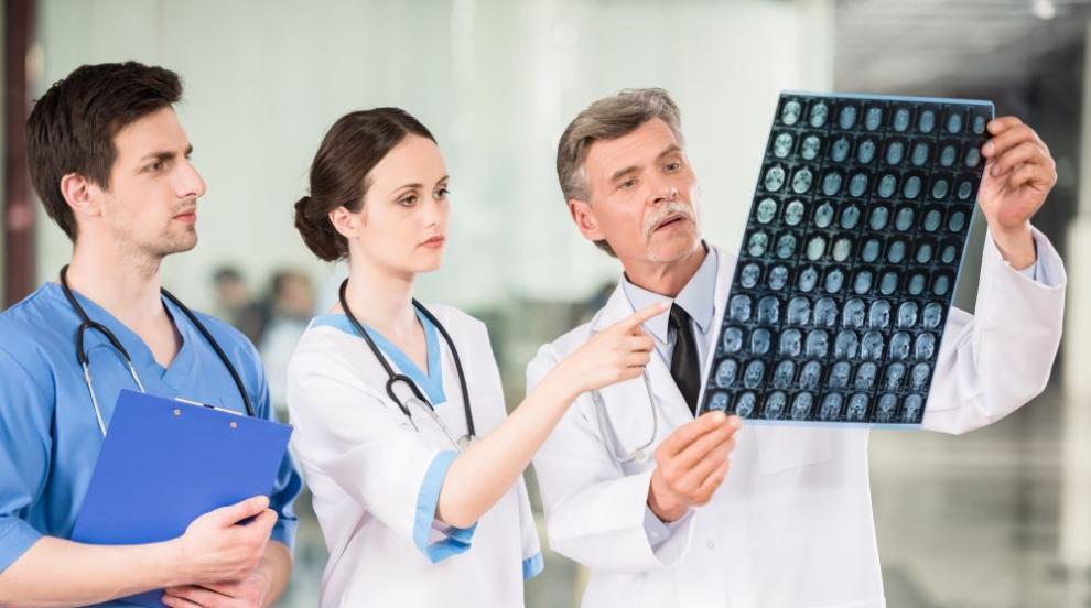 В битката с инсултите не трябват лекари-солисти, а да се работи в оркестър