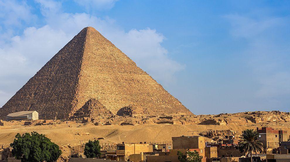 Египетските пирамиди наистина са построени от хора