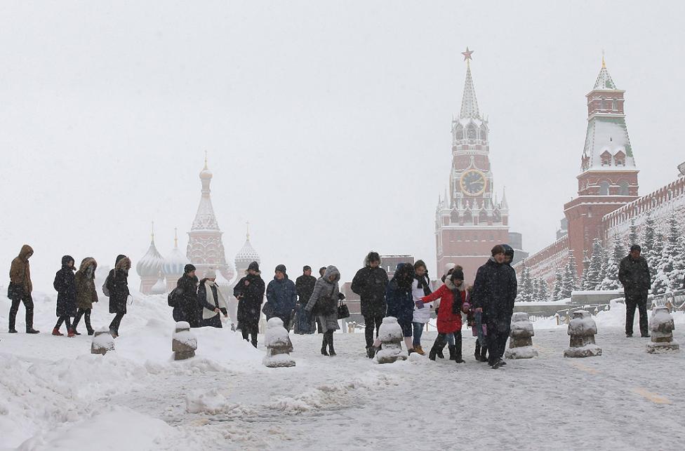 - Обилен снеговалеж в столицата на Русия - Москва