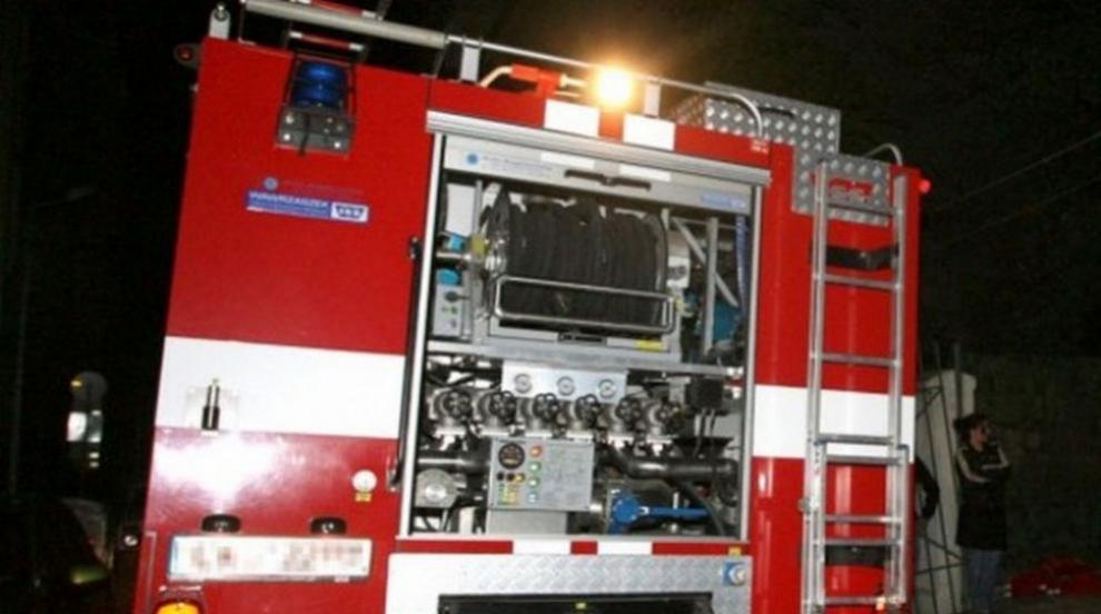 Пожар пламна в необитаема сграда в София