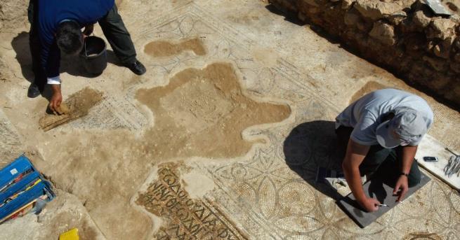 Археолози откриха в Любляна останки от римско гробище със забележителна