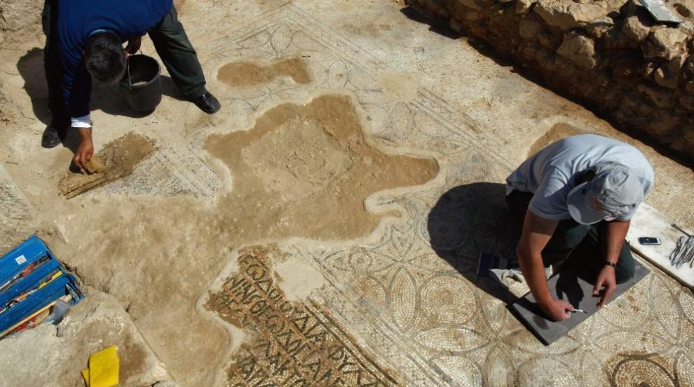 Израелски археолози откриха керамични съдове на 2000 години