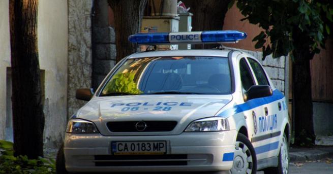Продавачка на бензиностанция във врачанското село Михайлово се обадила в