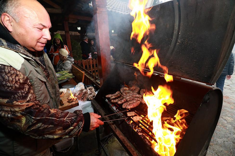 """- На 10.02.2018 г. в Широка лъка се проведе празник на """"Майсторското мезе"""". В надпреварата се включиха Майстори на вкусни мезета от месо и млечни..."""