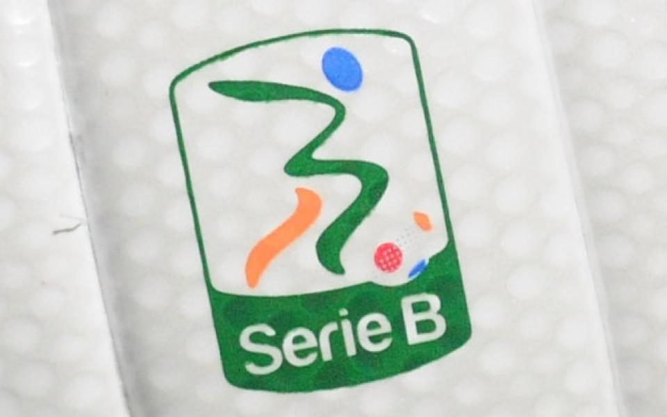 Треньор от Серия Б го отнесе за бой над двама съперници