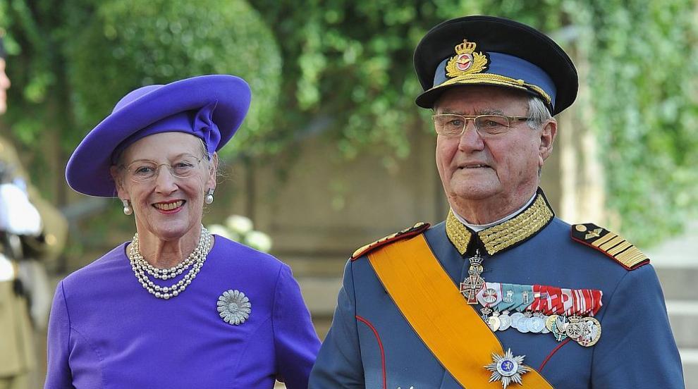 Датската кралица Маргрете Втора се сбогува със съпруга си на частна...