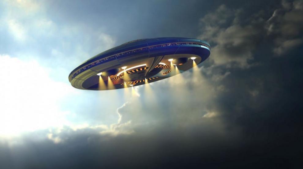 Светещо НЛО се появило мистериозно в щата Охайо (ВИДЕО)