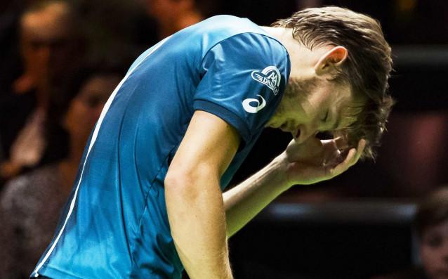 Нелепата контузия в окото, която Давид Гофен получи в мача