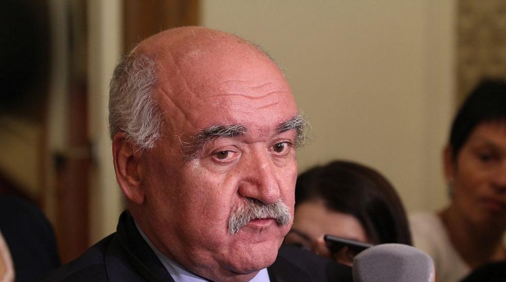 Депутатите решават да освободят ли от поста шефа на НЗОК
