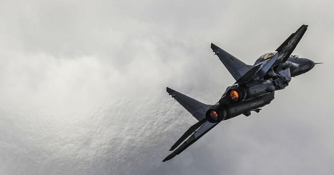 Руският боен изтребител МиГ-31 се разби в близост до град