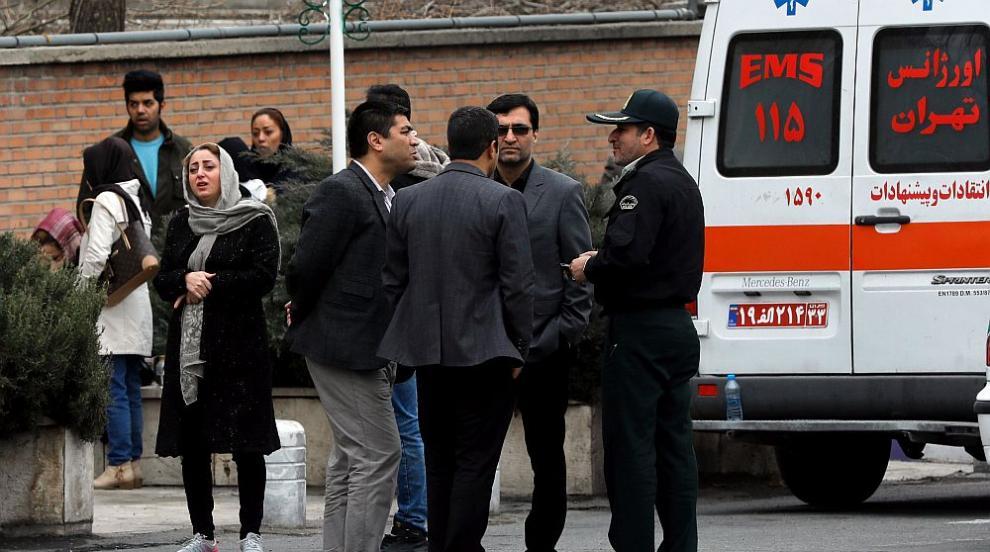 Откриха отломки от разбилия се ирански самолет