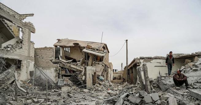 Най-малко 77 цивилни, включително 20 деца, са убити днес при