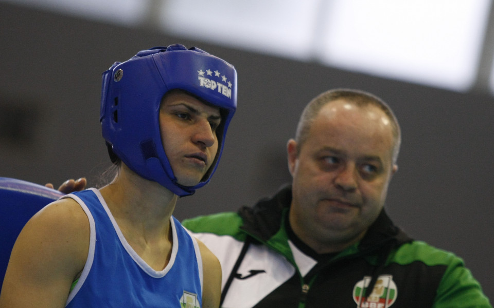 Стойка Петрова се четвъртфинал на ЕП по бокс