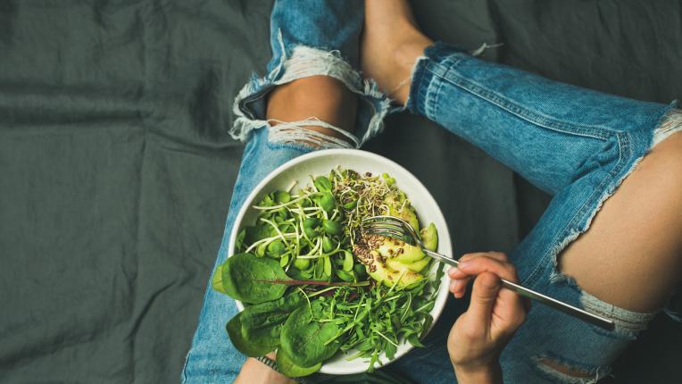 жена храна