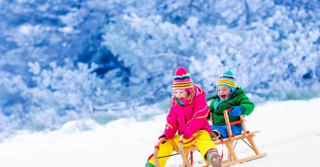 Младите родители не трябва да се страхуват от студеното време,