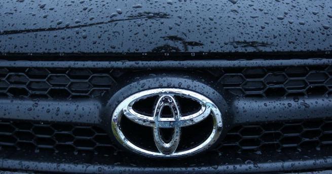 """""""Тойота"""" предупреди за 64% спад на целогодишната печалба и отчете"""