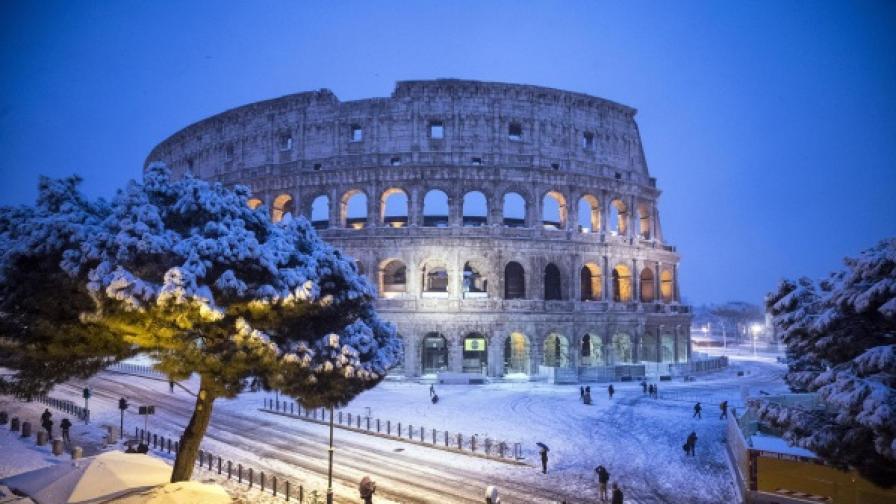 Метър сняг в Македония, в Рим първи сняг от шест години