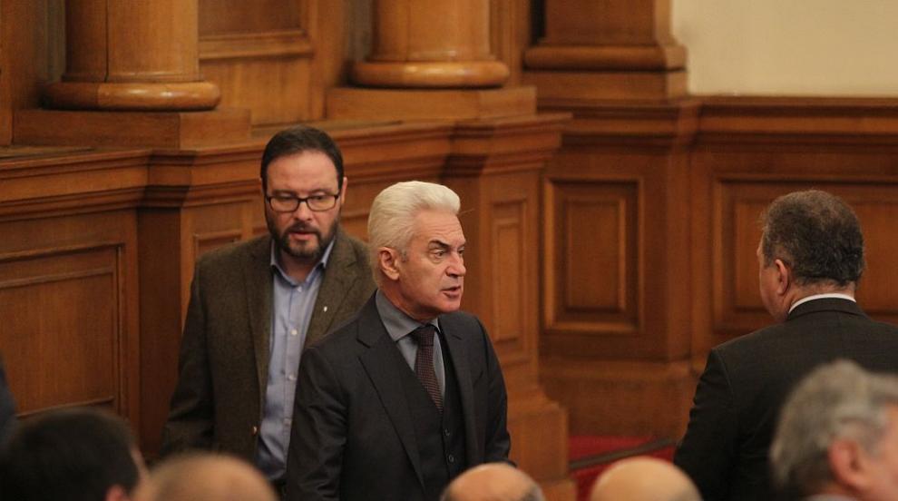 Сидеров става общински съветник, не успя да се сбогува с парламента