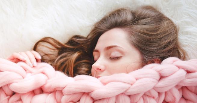 Одеалата, които осигуряват натиск, подобен на родителската прегръдка, подобряват съня.