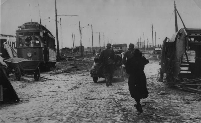 Варшава през 1939 г., когато Германия нахлува в Полша