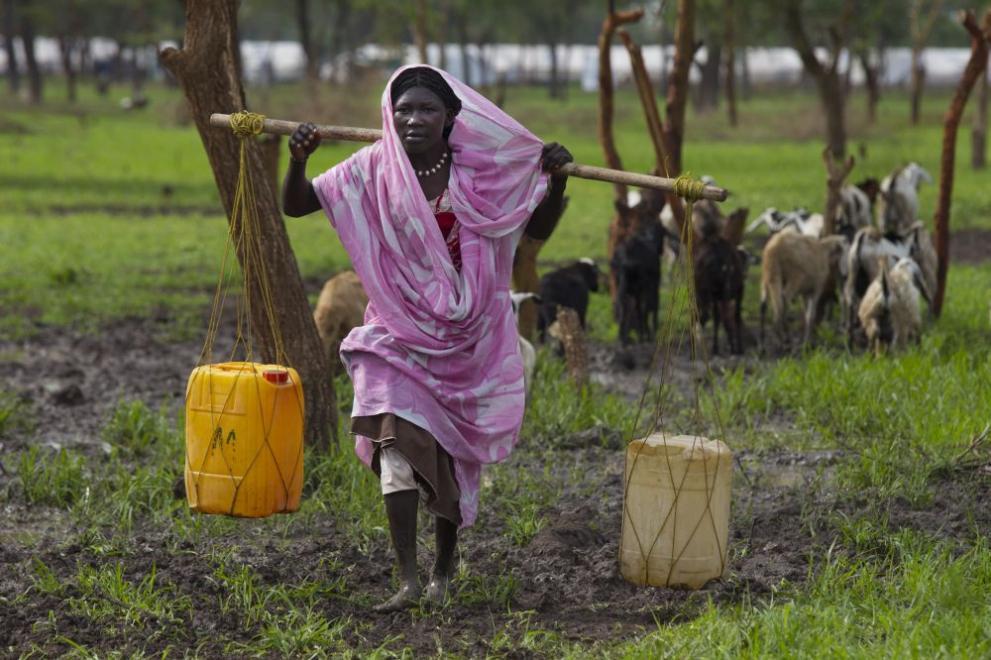 жена  Судан