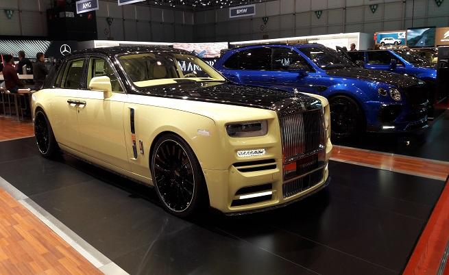 """Този Phantom е най-пошлият експонат в """"Палекспо"""". Намира се през една кола от Veyron-a, отново на щанда на Mansory. Най-богатият сводник в света би се чувствал отлично в нея."""