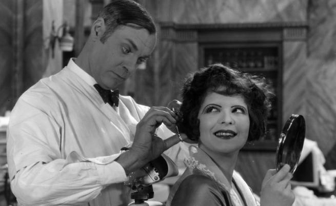 Актрисата Карла Боу (1928 г.)