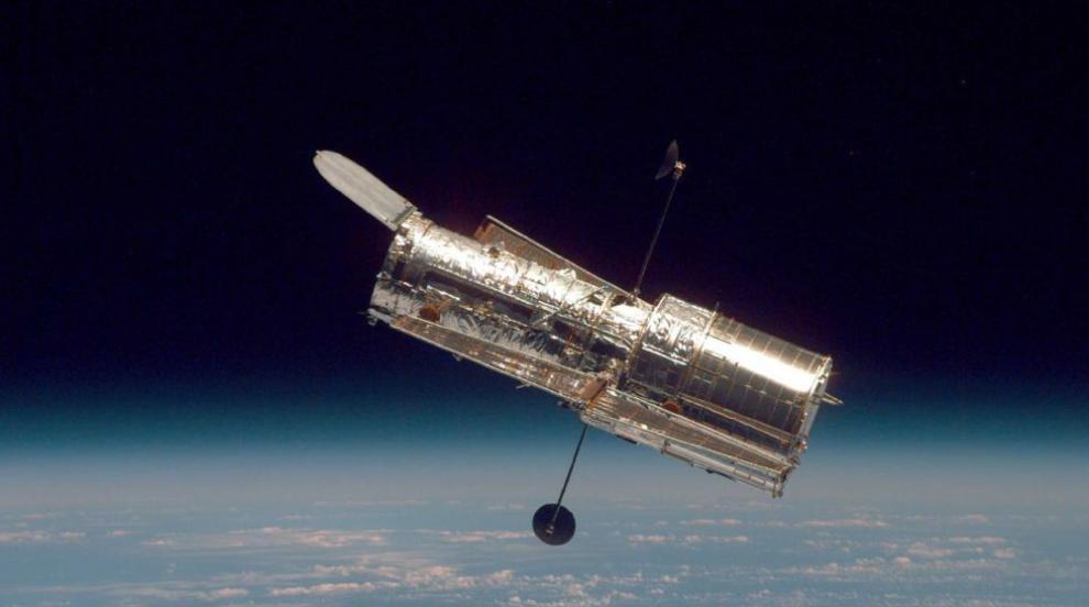 """Ултравиолетов телескоп откри мощни светлинни """"експлозии"""""""