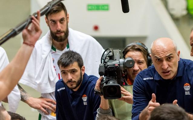 Николай Вангелов с националния тим на България<strong> източник: LAP.bg</strong>