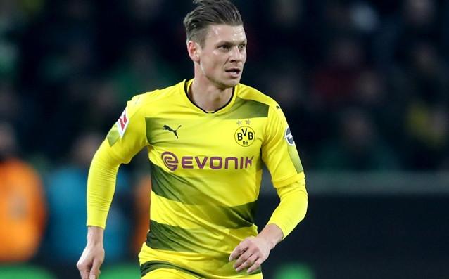 Полският защитник Лукаш Пишчек преподписа с Борусия Дортмунд до лятото