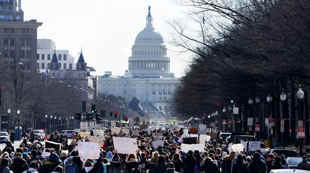 Хиляди американски ученици с призив към Тръмп