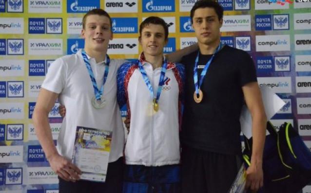Михаил Муходинов - вляво