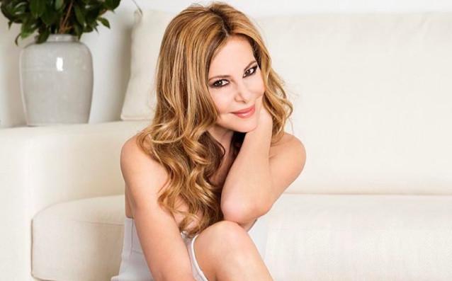 Ана Обрегон е популярна испанска журналистка, телевизионна водеща и актриса,