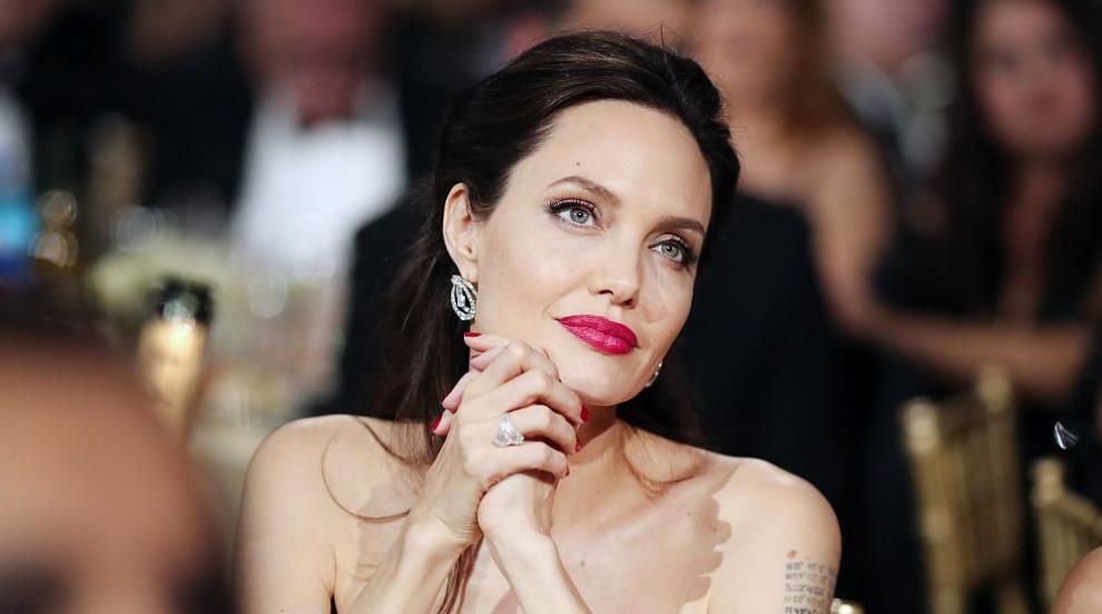 Джоли: Остарявам, но се отнасям с любов към този процес