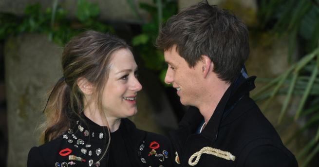 Актьорът Еди Редмейн и съпругата му Хана Багшо се сдобиха