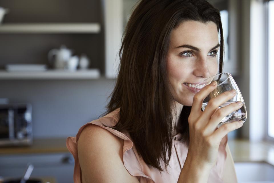 жена вода
