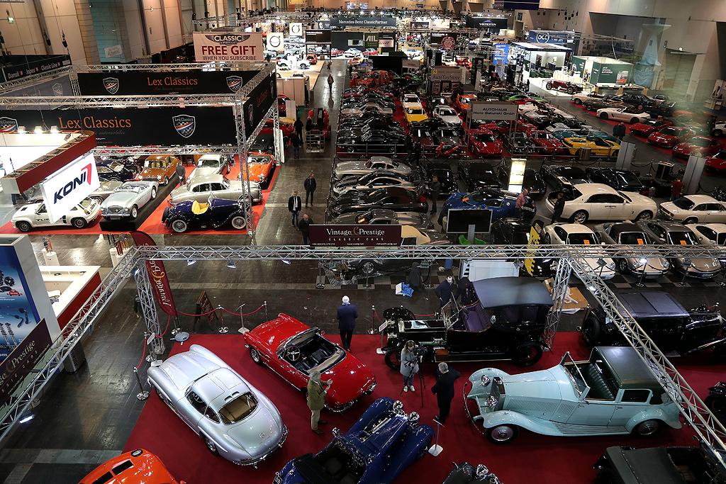 """Панаира за класически и ретро автомобили """"Techno Classica"""" в Есен, Германия"""