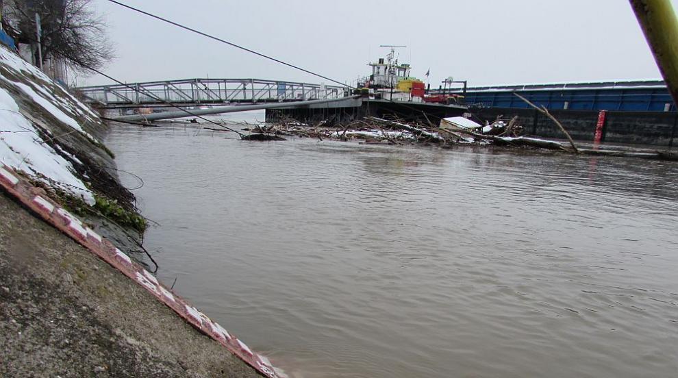 Високи нива на водите в страната, следят с внимание Дунав