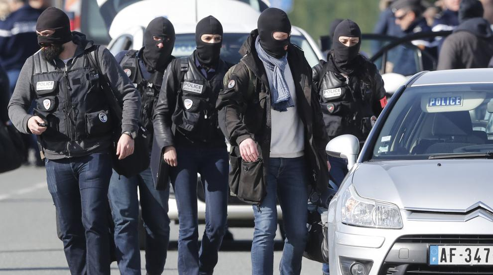 Разкриха подробности за решаването на заложническата криза във Франция,...