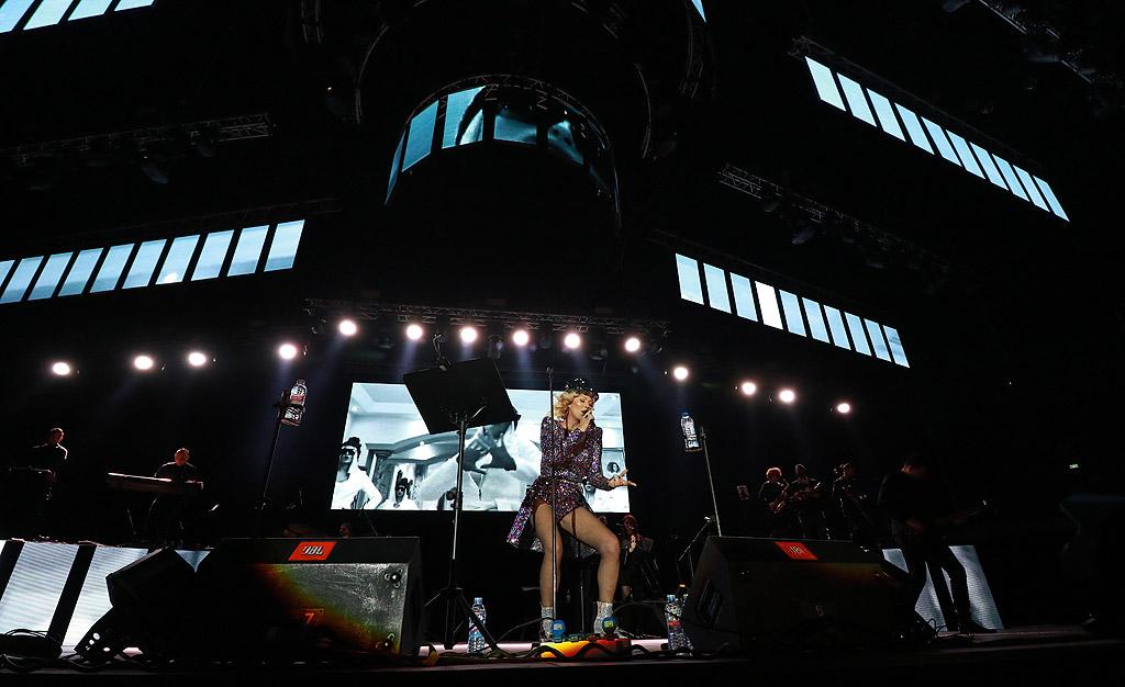 Лепа Брена с концерт в Арена Армеец, София