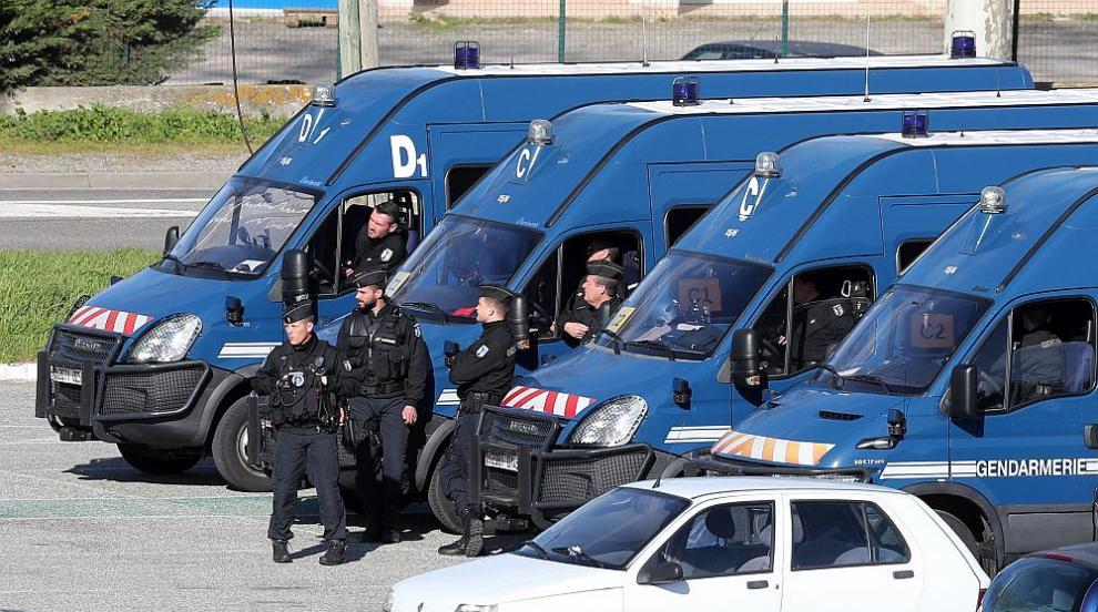 Почина жандармеристът, разменил се за заложник във френския супермаркет