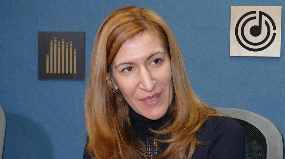 Повече българи избират родината за почивка, отчита министър Ангелкова