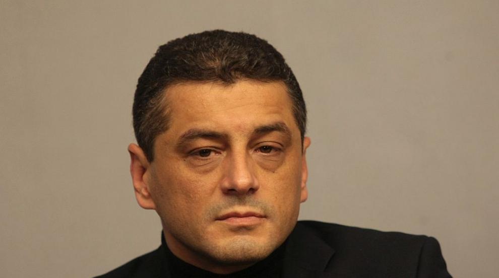 Красимир Янков: Нинова нарушава устава с отказ да...